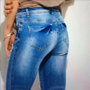 Distressed Mid Rise Skinny Jeans Size 9 29x27